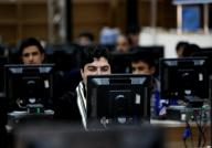 People trust computers more than humans: Study
