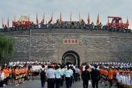More Chinese tourist sites resume operations