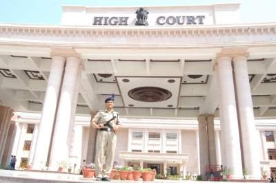 HC seeks response on personal bond sought by DM from Sitapur farmers