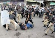 Batons, water canons used on protesting teachers in Karachi