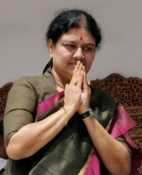 Will keep away from politics:Sasikala (Lead)