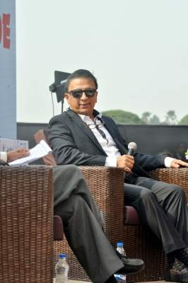 Pressure of expectation hurting Gill: Gavaskar