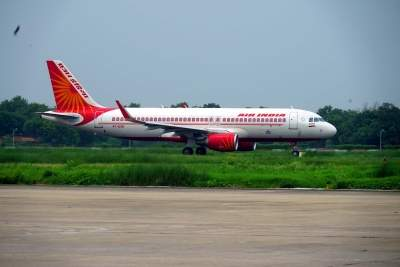 Air India pilots threaten to 'stop work' if vax drive not started