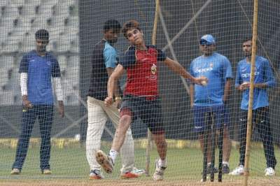 Tendulkar helping England prepare for Australia challenge