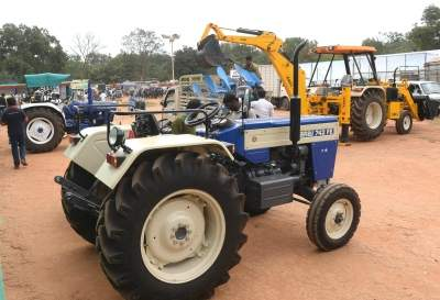 Wholesale growth expected to continue for tractors, PVs, 2Ws: Emkay