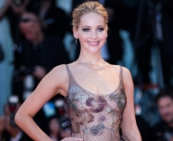 JLaw, hubby step out on one-month wedding anniversary