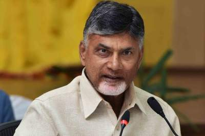 Naidu sets 48-hr deadline for Jagan to withdraw 3 capitals m...