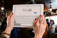 Google sorry for saving users' password in readable form