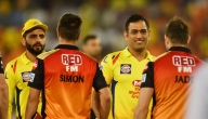 Dhoni chills with Warner & Co post Hyderabad game (Lead)