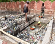 SC expresses concern over lack of safety gear for sewer workers (2nd Lead)