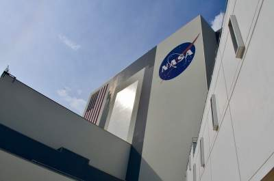 NASA aims to launch next-gen rocket on debut flight in early 2022
