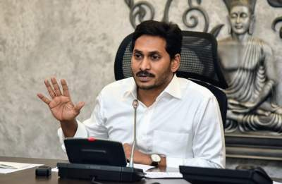 TDP blames Jagan for 'deepening crisis' in agriculture