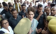 Priyanka ends dharna, leaves for Delhi