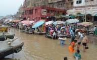 Ghats inundated, Varanasi lanes turn into cremation grounds