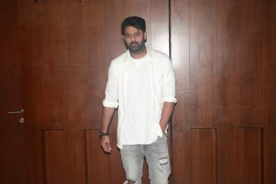 I convey a lot with my eyes: Prabhas