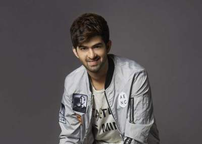 Budding singer Hriday Gattani teams up with top US composer