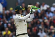 Paine played with broken thumb in 5th Ashes Test