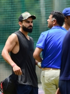 Angry 'side' of Dravid catches Kohli by surprise