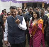 Maharashtra sees over 60% turnout in star-studded polls (Intro Roundup)
