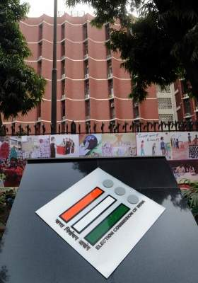 EC made record seizures of over Rs 1,000 cr from poll-bound states/UT