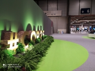 Ruckus by green activists at UN climate talks (Lead)