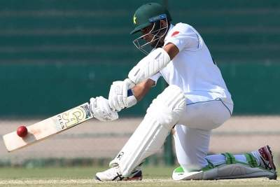 Eng vs Pak 2nd Test: Pakistan batting collapse halted by rai...