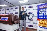 Massive Snickers bar sets Guinness World Record, Internet ROFL