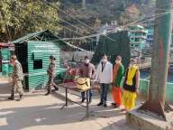 22,000 Nepali migrant workers leave for India