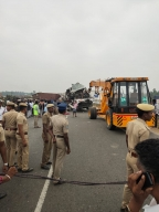 26 killed in two road accidents in Tamil Nadu (Lead)