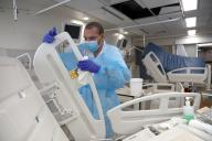 Retired Israeli doctors recruited in overcrowded hospitals