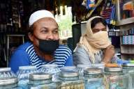 Shopkeepers waiting in Lucknow, but customers wary (IANS Special)