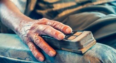Getting a grip on ageing