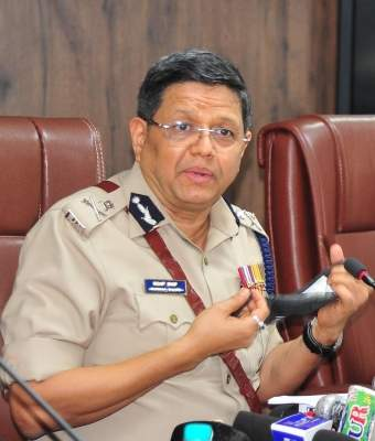 B'luru top cop warns lockdown violators of stringent action