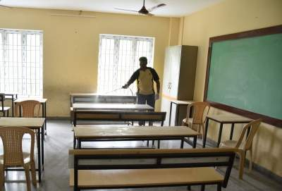 Students of classes 10-12 can go to school from Oct 1 in TN