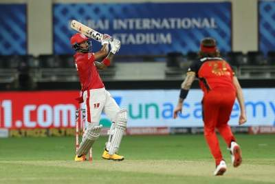 Rahul show helps KXIP score mammoth 206/3 against RCB