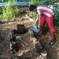 Irrfan's son Babil shares pictures of late actor's grave
