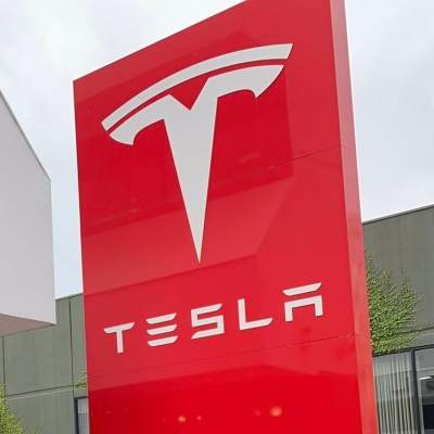 Tesla settles with ex-engineer accused of stealing trade secrets