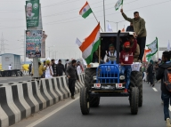 Tension at Singhu over tractor rally route