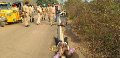 2 dead as car crashes in Andhra