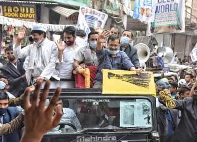Get ready for work, Kejriwal to AAP councillors in Guj (Ld)