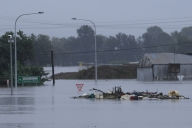 Aus state likely to remain in dark for weeks after severe storms