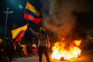 Colombian protest leaders present demands to govt