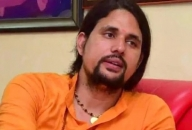 Yoga guru Anand Giri expelled for being in touch with family
