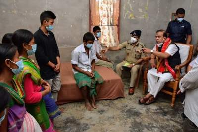 Assam CM visits family of two sisters found hanging from tree, assures stern action