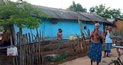 Sighting vax team signals Odisha tribals to run into forests