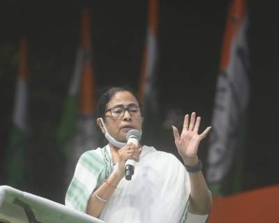 Centre stopping Mamata's visit to Rome triggers controversy